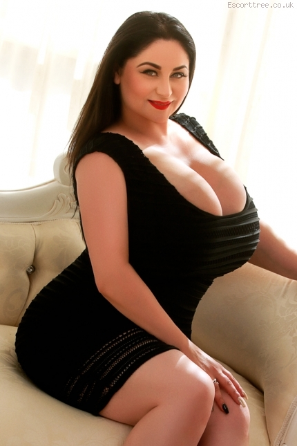 super busty escort, £150 per hour in Bayswater